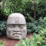 Tajemství Olméků: Co nám prozradí jejich obří sochy?