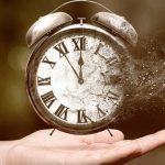 Zlověstný tikot hodin: Ohlašuje blížící se konec?