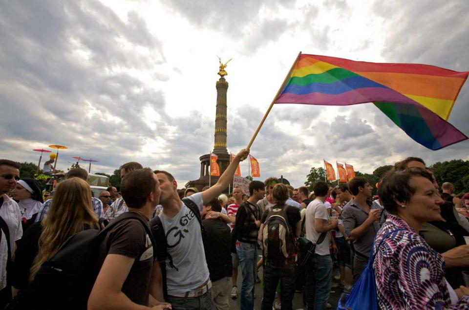 lollitop_042_LGBT_pride_parades_bp42