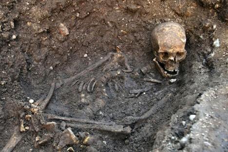 Kosti objevené na zahradě obou bratrů ukázaly, kam se jejich starší sourozenec poděl.