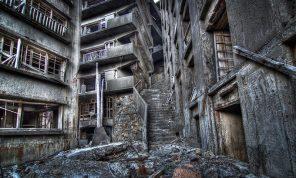 tr024-nagasaki-hashima-stairway-to-hell