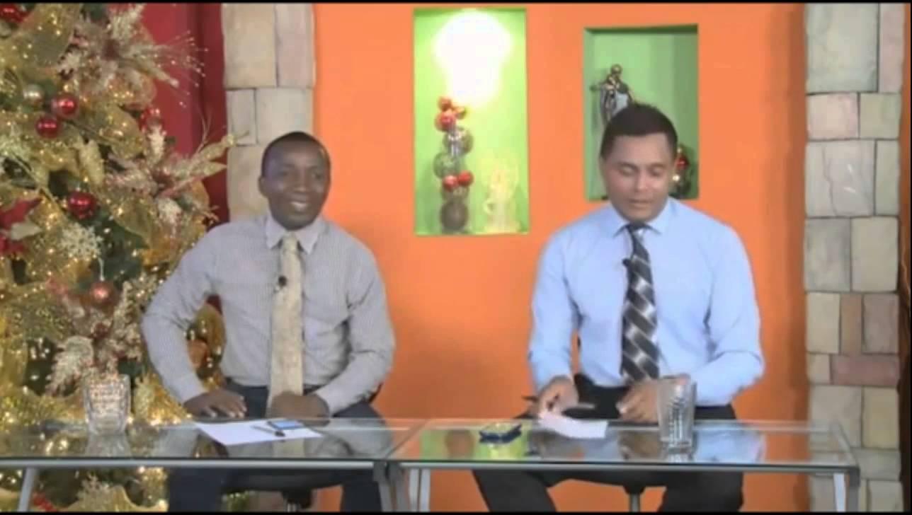 VIDEO: Během živého vysílání se začala posouvat sklenice po stole!