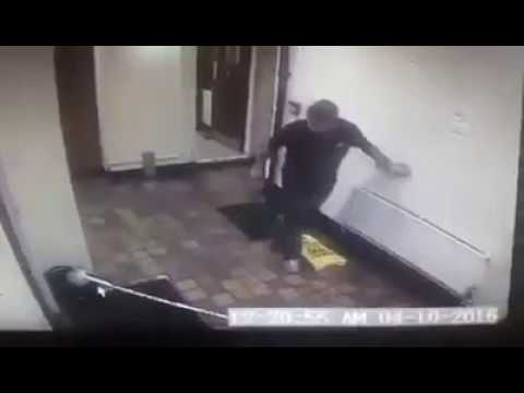 VIDEO: Duch vyděsil britskou hospodu!