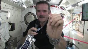VIDEO: Jak si umýt ruce ve vesmíru